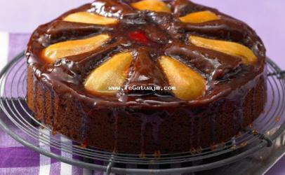 Torte me dardha dhe çokolate