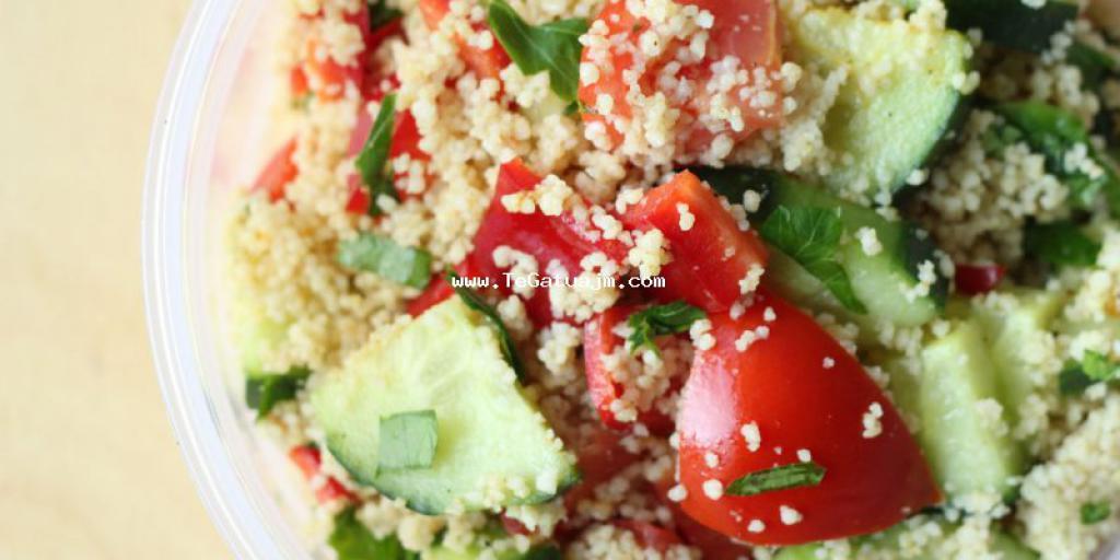 Salat me couscous dhe salce jogurti