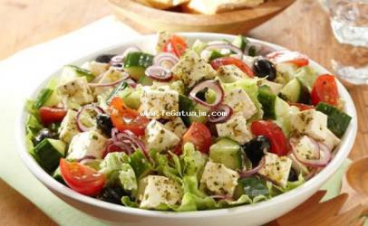 Salate greke
