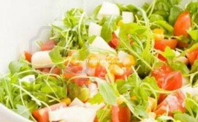 Sallatë me  rucola dhe sheri domate