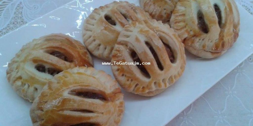 Gurabija (biskota) të mbushura me kumbulla