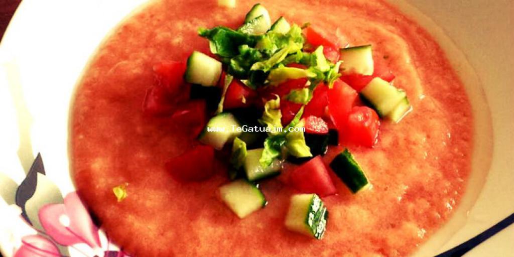 Supe e ftohet me domate dhe tranguj