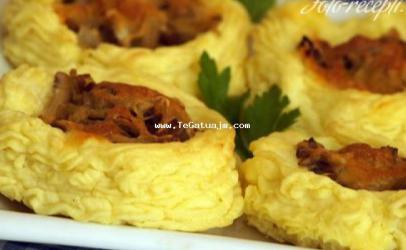 Fole patatesh me kerpudha