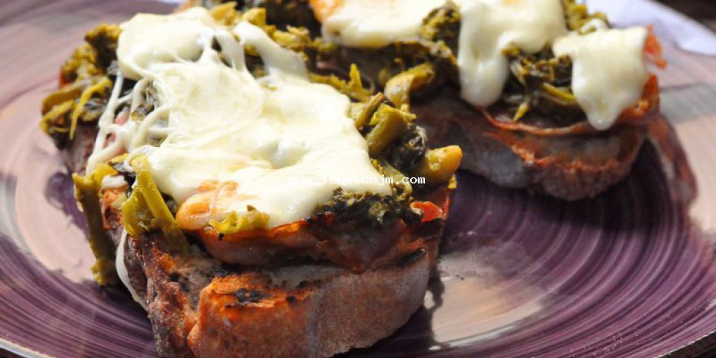 Buk me brokoli proshutë dhe djathë