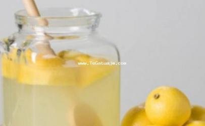 Zëvendësoni kafen e mëngjesit me leng limoni