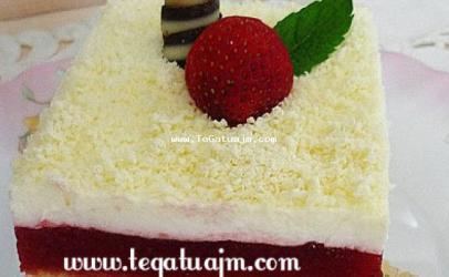 Torte me shije  dredheze (luleshtrydhe)