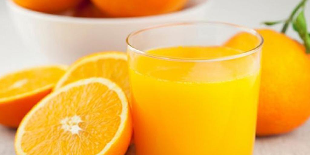 Konsumimi i lëngut të portokallit bën mirë për kujtesën