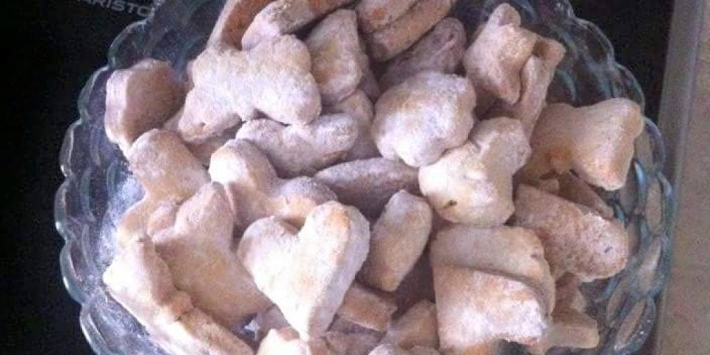 Biskota gatuar nga Egzontina Ismaili