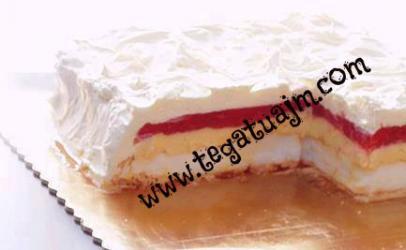 Tortë me luleshtrydhe (dredheza)