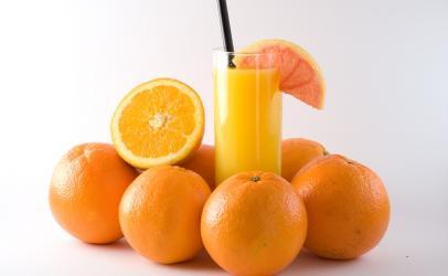 """Bëjeni vet atë """"juice"""" portokalli"""