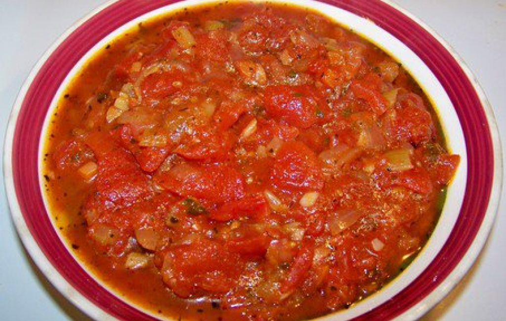 Fërgesë me domate dhe speca