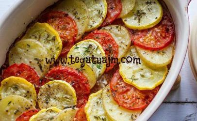 Tav me patate dhe  domate ne furre