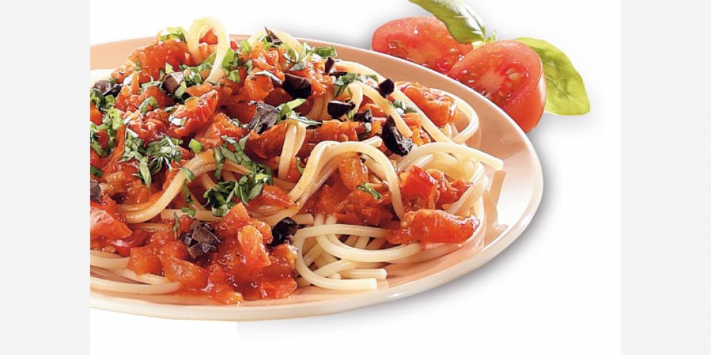 Salce me domate dhe ullinje