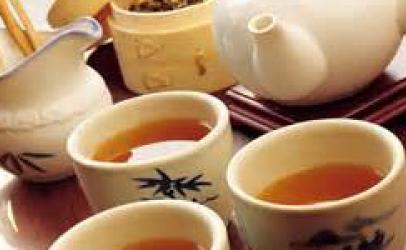 Si të shërbejmë çajin me tri mënyra origjinale