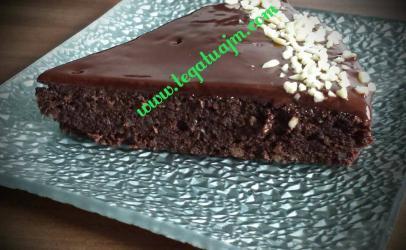 Tortë me çokolatë dhe bajame te bluara