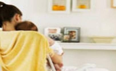 Disa këshilla për qetësimin e ngërçeve tek foshnjat
