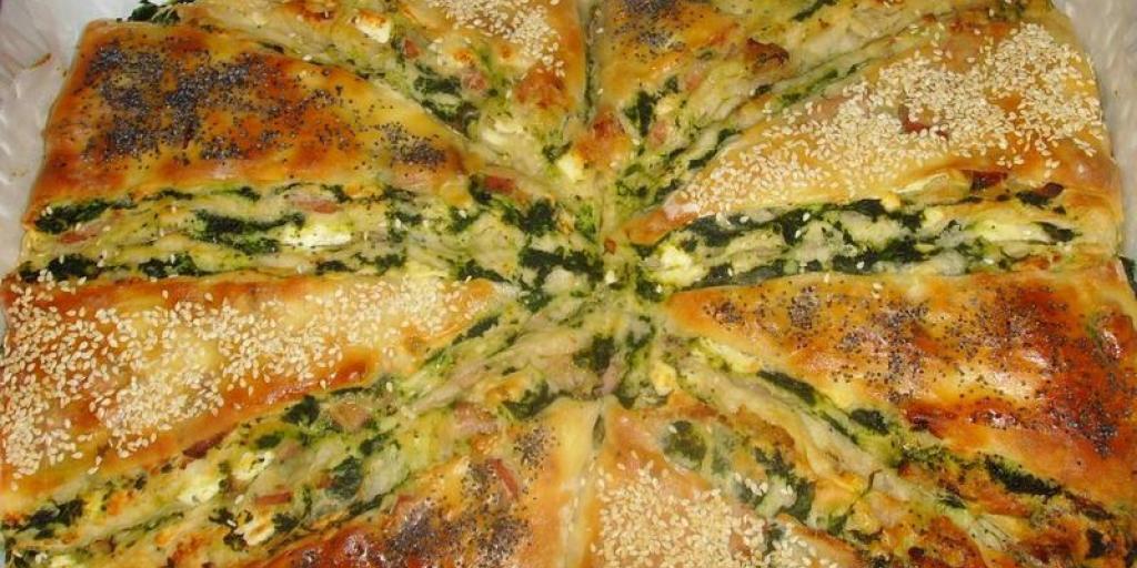 Pite turke me proshutë dhe spinaq
