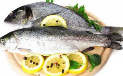Si të dallojmë peshkun e freskët?