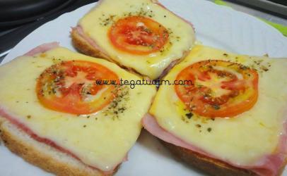 Antipast me pershut ,djathe dhe domate