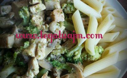 Makarona me gjoks pule,kepurdha dhe brokoli  nga  tegatuajm