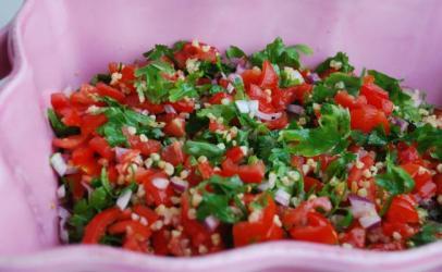 Sallat me sheri domate( Sallatë Tabbouleh)
