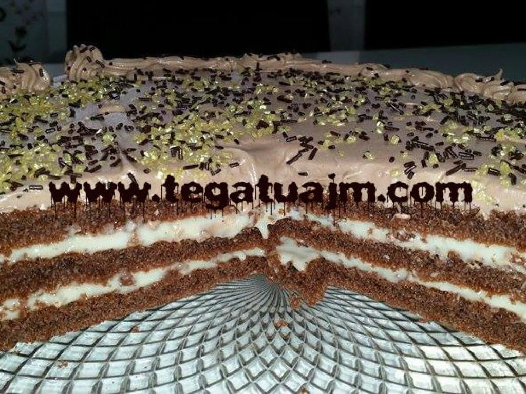 Torte me pete te gateshme nga Lendita Saqipi.