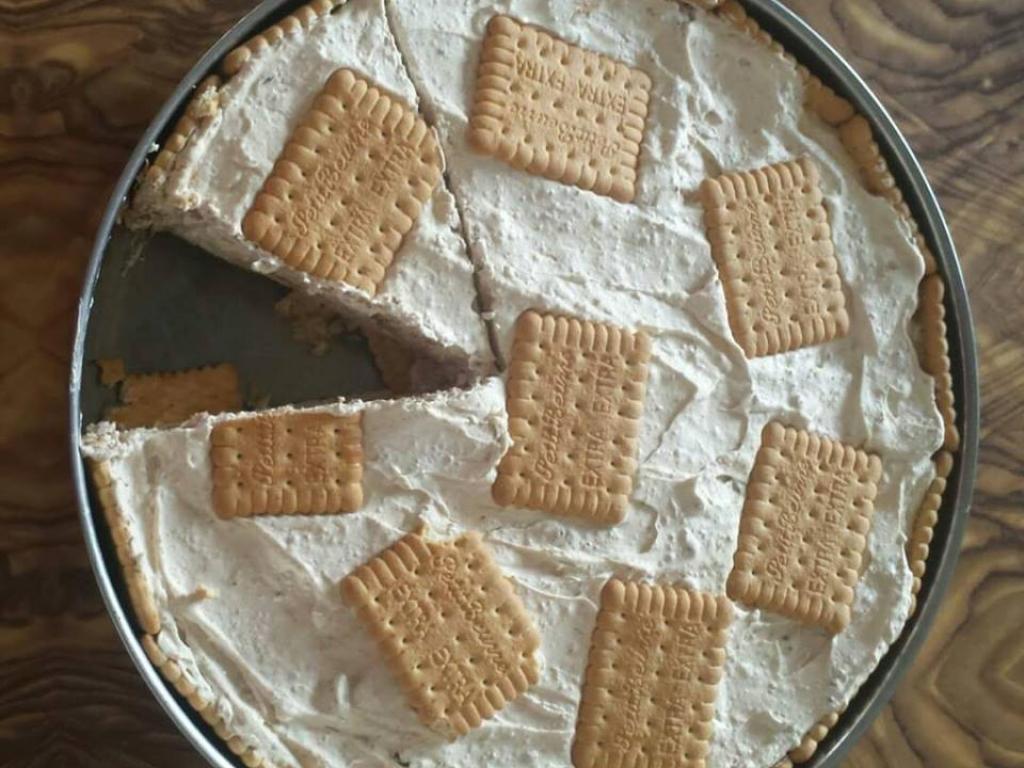 Emelsire me keksa (biskota) nga Edina Sh