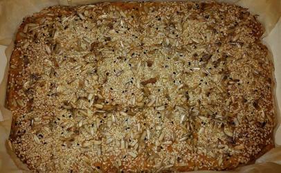 Torte e njelmet me mish te bluar nga Besnik Sadije Junuzi