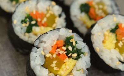 Sushi--receta se si pergaditet