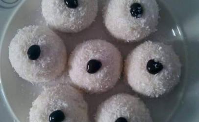 Toptha me kokos  nga Kaltrina Berisha