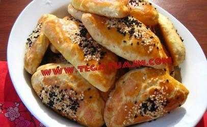 Pogaçe te vogla me djathe nga Kaltrina Berisha