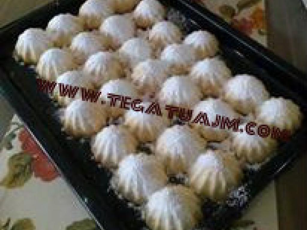 Gurabia (biskota)te mbushura me fruta te thata  nga Kaltrina Berisha