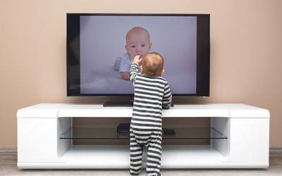 Televizioni nuk është i mirë për bebe