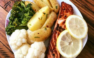 Salmon me perime të ziera
