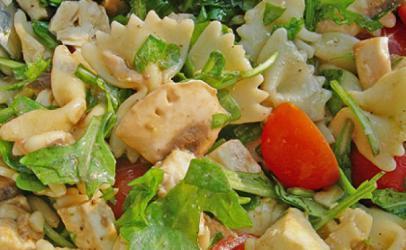 Salate me mozzarella dhe makarona