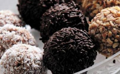 Bombica >>Tri shije te ndryshme