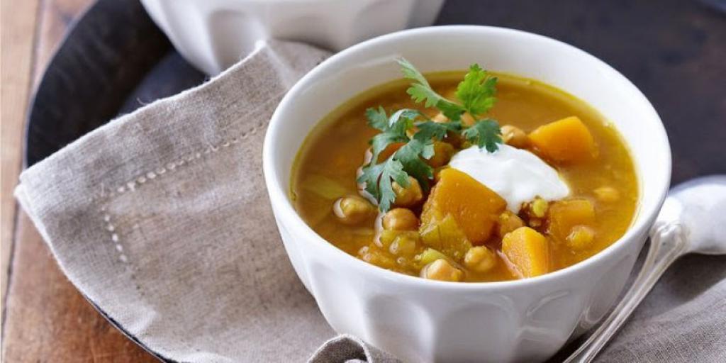 Supë me kungull dhe qiqra