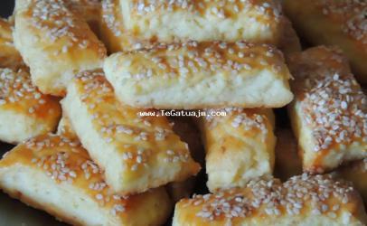 Biskota të thata me djathë