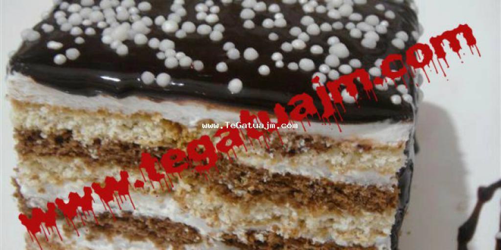 Torte me biskota dy ngjyrëshe