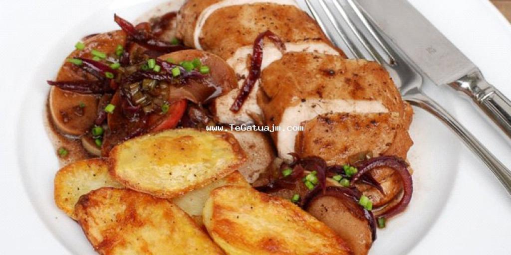 Gjoks pule me salce dhe patate