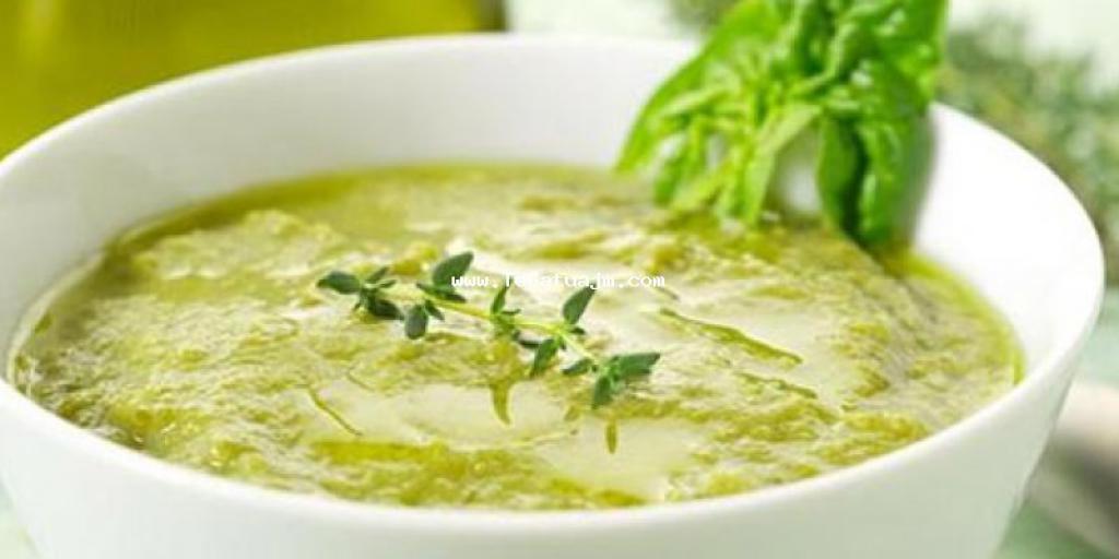 Supë me patate dhe spinaq