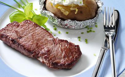 Steak me patate ne folie dhe ricotta